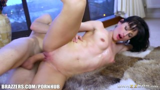 Skinny Babe Ava Courcelles Need Big Dick – Brazzers