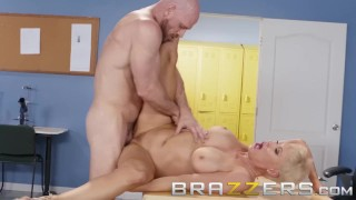 Brazzers – Dirty Teacher Ryan Keely Fucks Students Dad