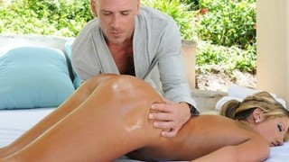 Big-tit Blonde MILF Holly Tyler Gets A Sensual Massage Before Sex