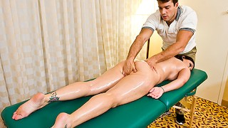 Curvy Claire Dames Gets A Sensual Massage – Brazzers