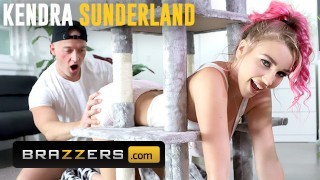 Brazzers – Big Tit Kendra Sunderland Gets Stuck And Needs Some Help From Zac Wild